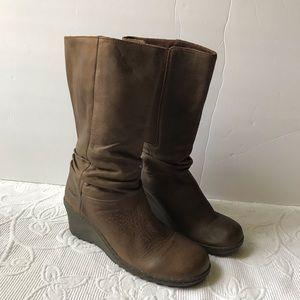 Keen Akita boots soft leather brown wedge heel